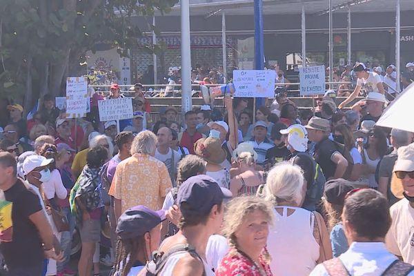 Manifestations contre le passe sanitaire à Saint-Pierre