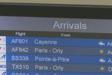 Panneaux aéroport à l'aéroport du Lamentin (Martinique).