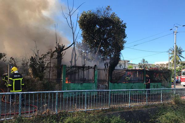 Incendie quartier de La Source à Saint-Denis 20190806-05