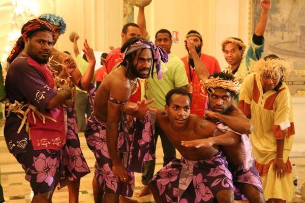 Démonstration de danse par des étudiants Kanak