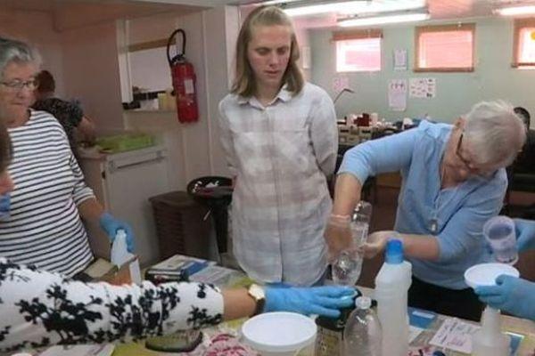 Fabriquer des produits ménagers verts dans le cadre de la Semaine Bleue