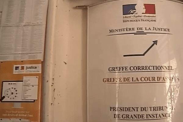 Panneau du tribunal de Cayenne