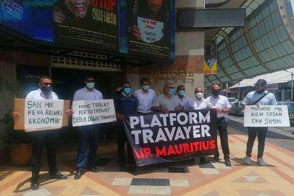 Salariés d'Air Mauritius manifestent 13 octobre 2020 devant le ministère du travail de l'île Maurice