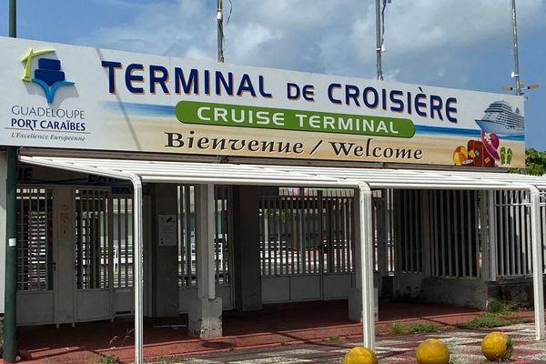 Terminal de croisière, à Pointe-à-Pitre