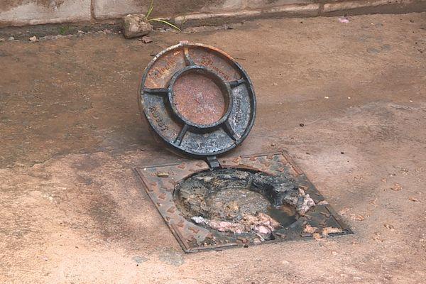 Des remontées d'eaux usées en permanence avenue Pasteur à Cayenne