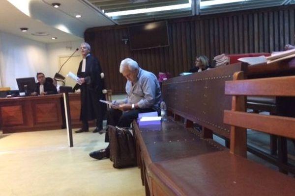 """Harold Martin et avocat maître Reuter lors du procès """"des terrains de Païta"""" au tribunal correctionnel le 15 septembre 2017."""