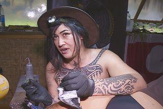 Wahine tatoueuse