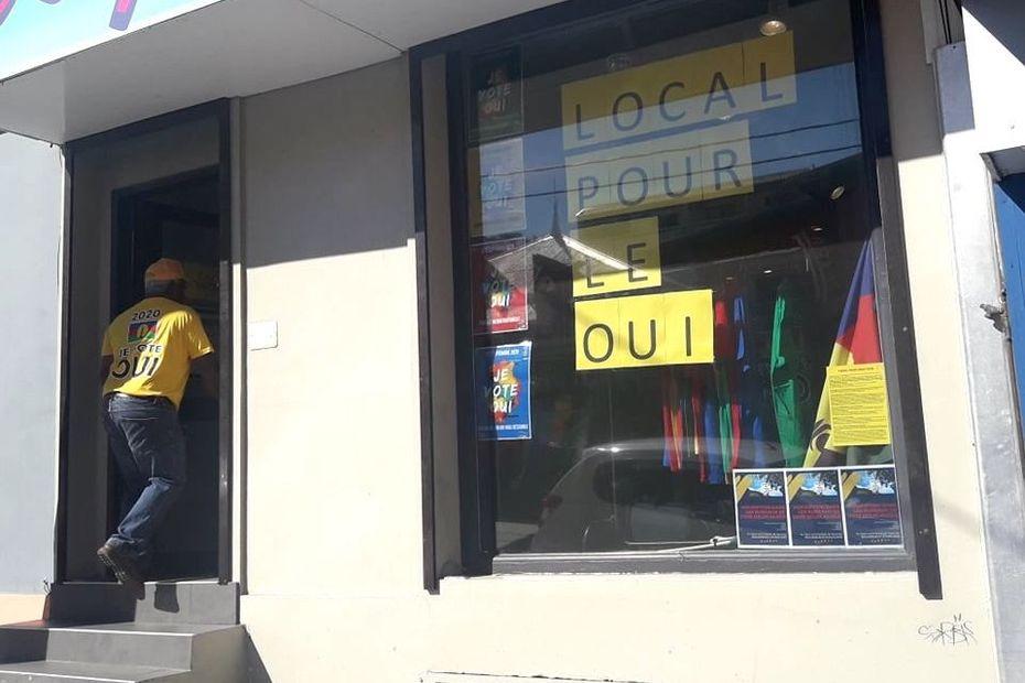 Une permanence pour promouvoir le Oui au référendum - Nouvelle-Calédonie la 1ère