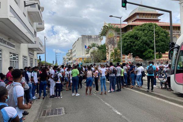 Manifestation lycéens préfecture