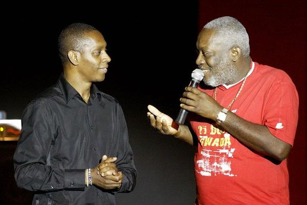 Claudy Siar au Cap vert avec Jacob Desvarieux pour Couleurs tropicales (RFI) en 2005