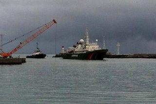 "Greenpeace : arrivée du bateau ""Esperanza"" au Port Ouest"