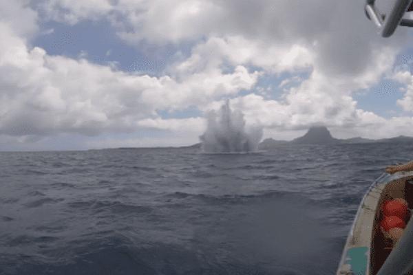 Explosion d'obus à Bora Bora