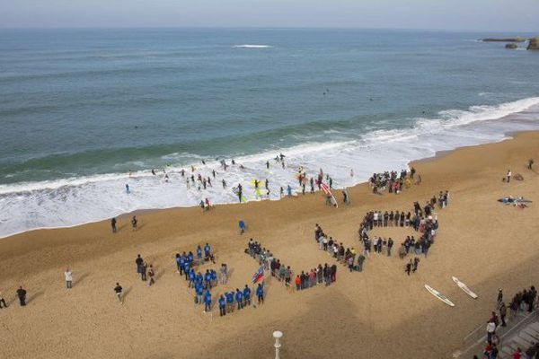 Hommage victimes requins / Biarritz