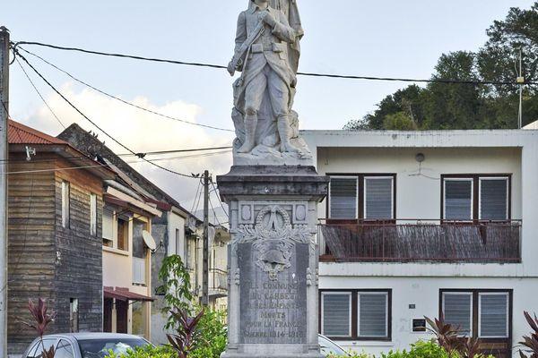 Le monument aux morts du Carbet