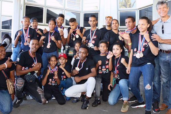 25 médailles pour jeunes kibio boxing club chaudron