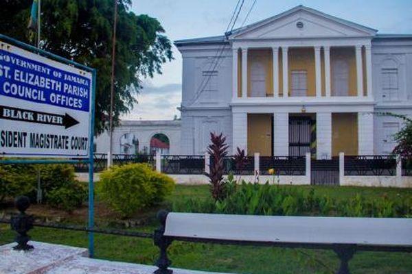 Court Jamaïca
