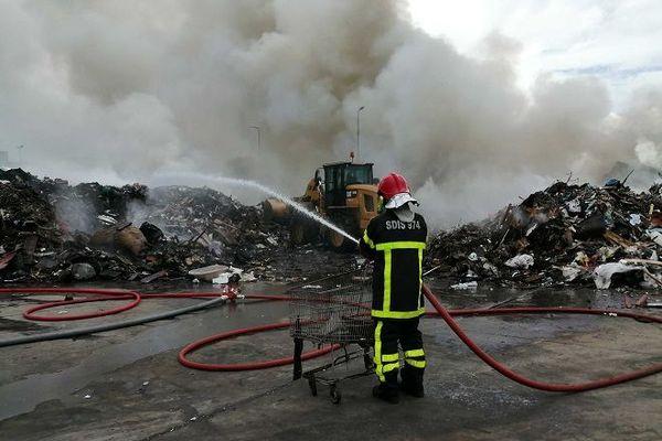 Un incendie sur le site de traitement des déchets Cycléa au Port