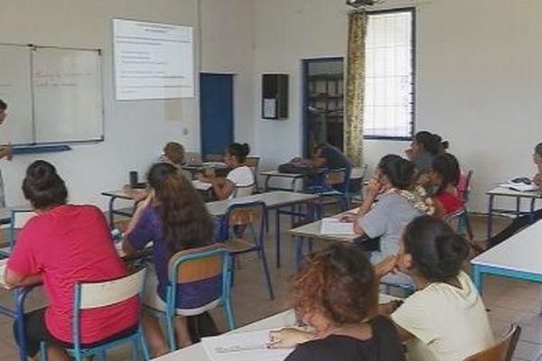 élèves en salle de classe
