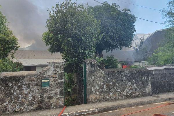 Incendie maison quartier la redoute saint-denis