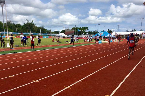 Course 200m : WF dernier sur 8 participants