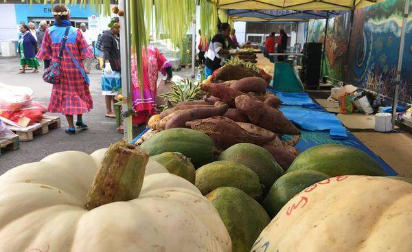 Grand marché de Gaïca à Nouméa