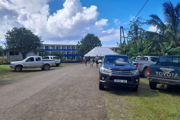 Evacuation des élèves de l'école de Kolopelu