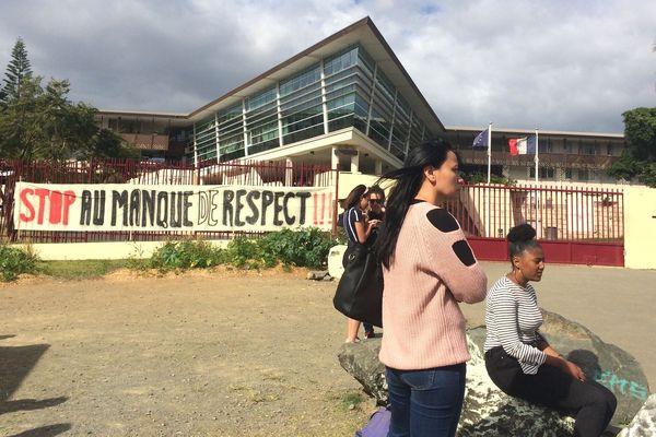 Mobilisation au lycée du Grand Nouméa