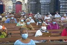 Messe du matin à la cathédrale de Mata'Utu.