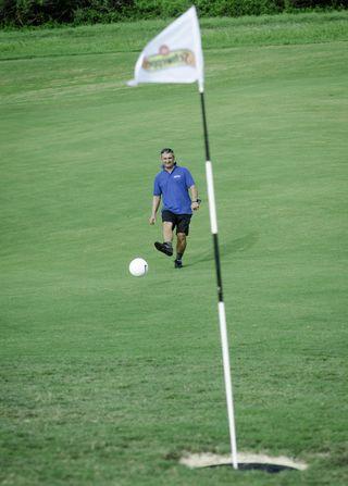 Un tournoi de Footgolf à Deva
