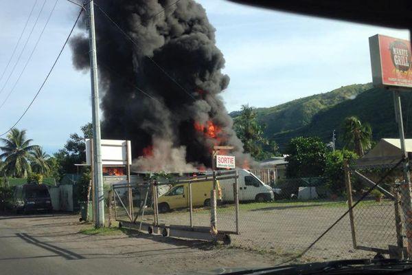 Incendie à Paea