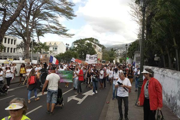 Manifestation contre le pass sanitaire pour les 12-17 ans à Saint-Denis