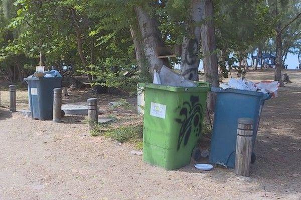 Plage de l'Hermitage lagon Ouest déchets poubelles 040119