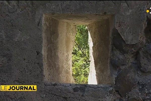 Le fort de la Punaruu en cours de réhabilitation