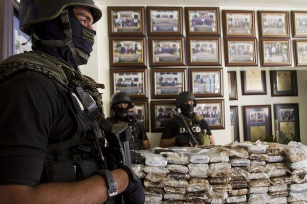 """Ouverture du procès """"air Cocaïne"""" à Saint-Domingue : quatre français à la barre"""