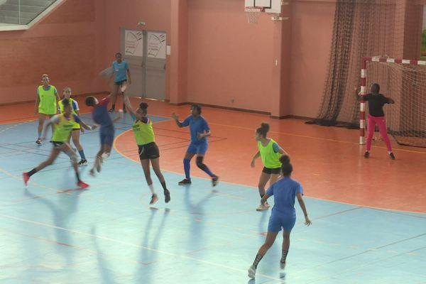Stage de handball à cayenne : un premier dribble vers l'équipe de France