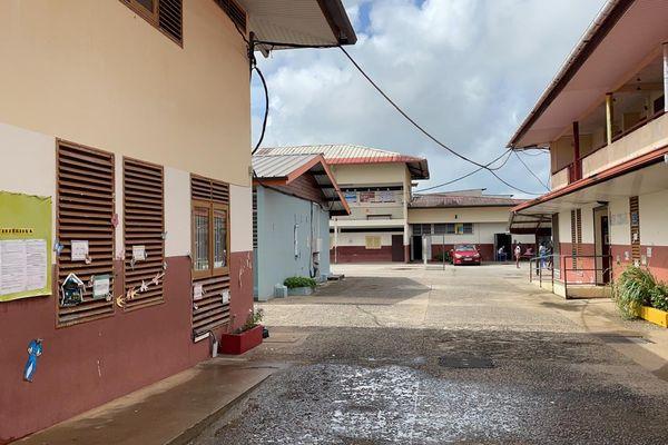 L'intérieur de l'école Malacarnet à Cayenne