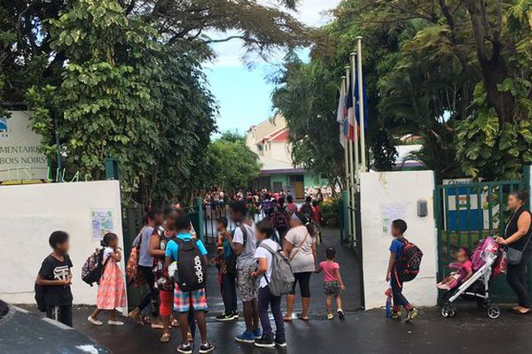 20170506 : Saint-Denis : école primaire des Lilas