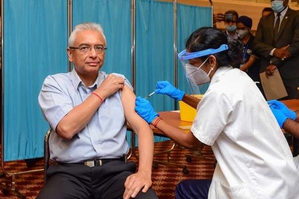 coronavirus vaccination Maurice Premier Ministre Pravind Jugnauth 060321