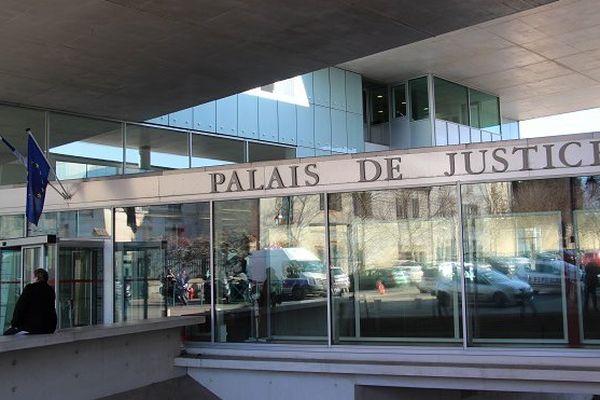 palais de justice Pontoise