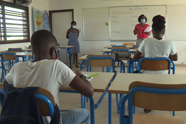 Vacances apprenantes au collège Bouyer d'Angoma
