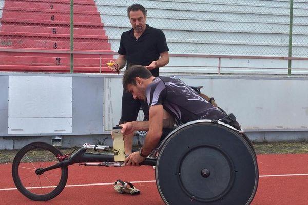 Nicolas Brignone et son coach Olivier Deniaud au stade Numa Daly.