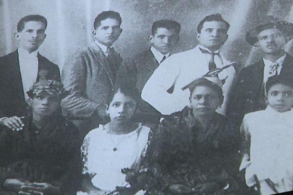 Photo de la famille Aliker (André, 1er à gauche)