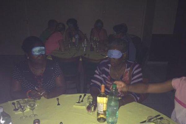 Diner à l'aveugle 1