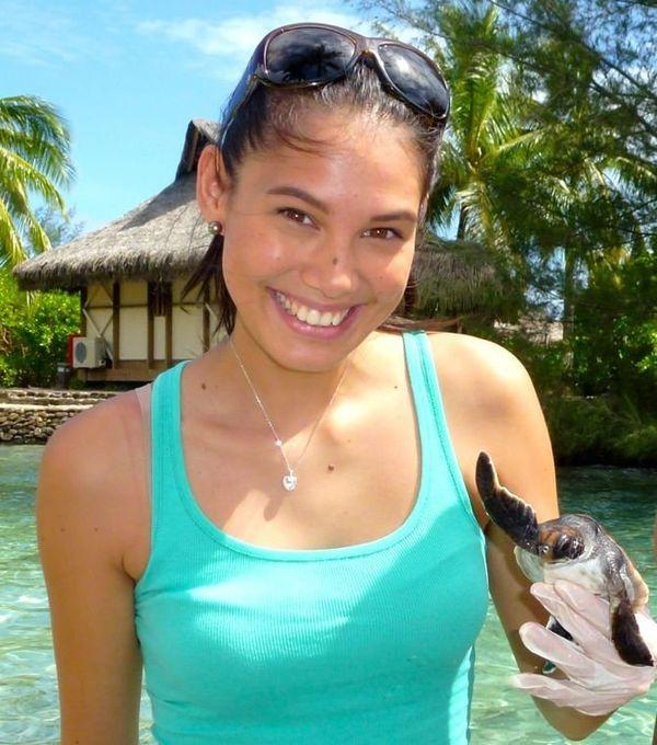 Miss Tahiti à la clinique des tortues
