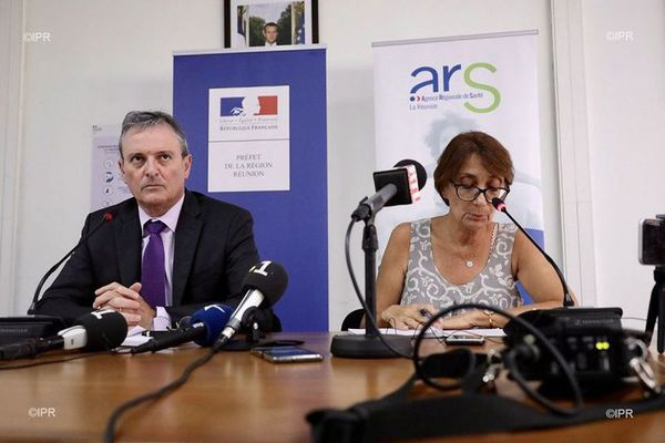 Jacques Billant, préfet de La Réunion, et Martine Ladoucette, directrice générale de l'Agence Régionale de Santé de La Réunion.