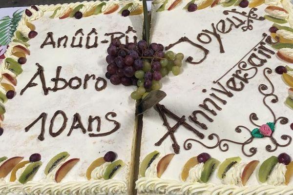 ânûû-rû âboro : gâteau d'anniversaire 10 ans
