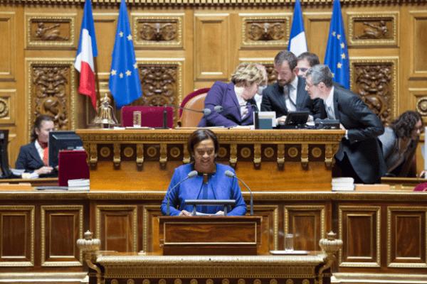 Lana Tetuanui à la tribune du Sénat