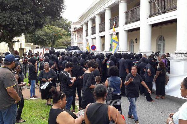 Le collectif 500 frères