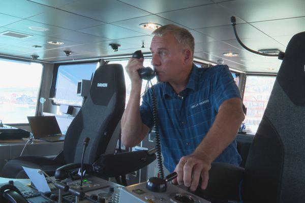 Tony Merkel, l'unique technicien électronique de maintenance marine exerçant à Saint-Pierre et Miquelon