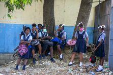 Premier jour d'école pour ces élèves du lycée Marie Jeanne, à Port-au-Prince, en Haïti, après le début de la pandémie. Août 2020/Archives.